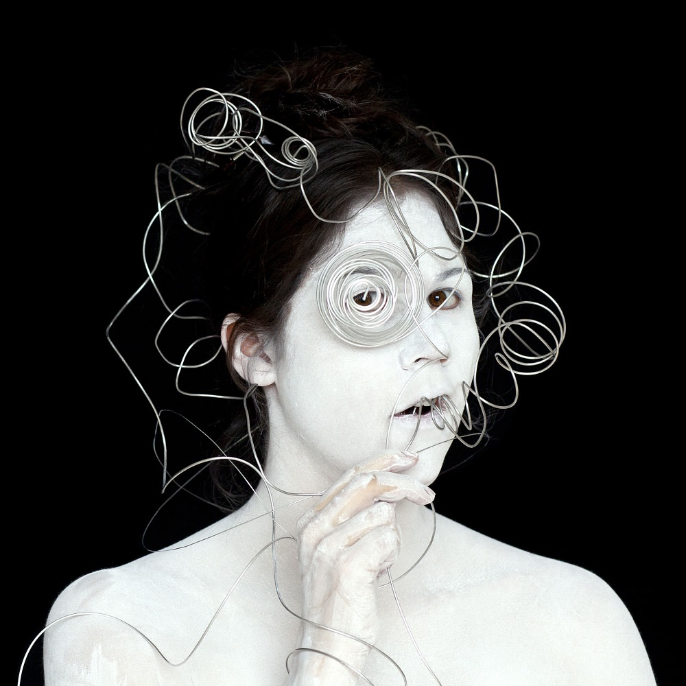 "<span class=""link fancybox-details-link""><a href=""/artists/122-meryl-mcmaster/works/34274-meryl-mcmaster-meryl-3-2010/"">View Detail Page</a></span><div class=""artist""><strong>Meryl McMaster</strong></div> b. 1988 <div class=""title""><em>Meryl 3</em>, 2010</div> <div class=""signed_and_dated"">From the series ""Second Self""<br /> Signed, titled, dated, and editioned, au verso</div> <div class=""medium"">Chromogenic print</div> <div class=""dimensions"">36 x 36 inch (91.44 x 91.44 cm)</div> <div class=""edition_details"">Edition of 5 + 2 APs</div>"