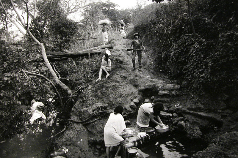 "<span class=""link fancybox-details-link""><a href=""/artists/110/series/el-salvador/6370-larry-towell-santa-maria-caba-as-el-salvador-washing-clothes-1991/"">View Detail Page</a></span><div class=""artist""><strong>Larry Towell</strong></div> b. 1953 <div class=""title""><em>Santa Maria, Cabañas, El Salvador [washing clothes]</em>, 1991</div> <div class=""signed_and_dated"">Artist's blindstamp au recto<br /> Signed, titled, and dated, in pencil, with Magnum stamp in ink, au verso<br /> Printed in 1995<br /> </div> <div class=""medium"">Gelatin silver print</div> <div class=""dimensions"">16 x 20 in<br />40.64 x 50.8 cm</div><div class=""copyright_line"">© Larry Towell / Magnum Photos</div>"