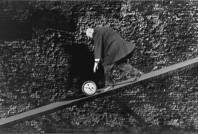 "<span class=""link fancybox-details-link""><a href=""/artists/36-gilbert-garcin/works/16008-gilbert-garcin-courir-apres-le-temps-chasing-after-time-1995/"">View Detail Page</a></span><div class=""artist""><strong>Gilbert Garcin</strong></div> b. 1929 <div class=""title""><em>Courir après le temps - Chasing after time</em>, 1995</div> <div class=""signed_and_dated"">Printer's stamp, in ink, au verso<br /> Artist Ref #33</div> <div class=""medium"">Gelatin silver print</div> <div class=""dimensions"">8 x 12 inch (20.32 x 30.48 cm)</div> <div class=""edition_details"">Edition of 12 (#GP/12)</div><div class=""copyright_line""> </div>"