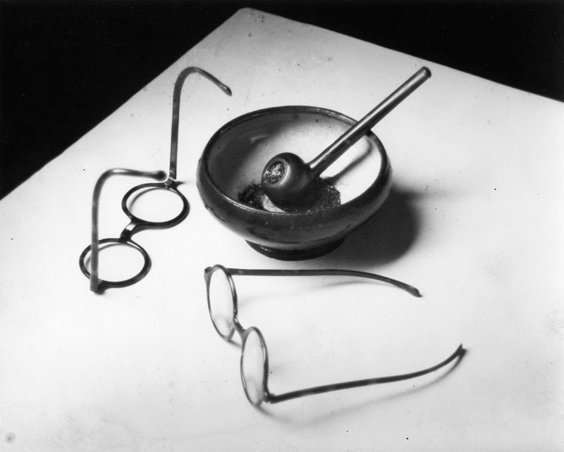"<span class=""link fancybox-details-link""><a href=""/artists/47-andre-kertesz/works/8969-andre-kertesz-mondrian-s-pipe-glasses-paris-1926/"">View Detail Page</a></span><div class=""artist""><strong>André Kertész</strong></div> 1894-1985 <div class=""title""><em>Mondrian's Pipe & Glasses, Paris</em>, 1926</div> <div class=""signed_and_dated"">Estate stamp, in ink, au verso<br /> Estate #2-0129-54-1-1-02-G<br /> Printed circa 1982<br /> Provenance: Direct from the Estate of André Kertész, New York</div> <div class=""medium"">Gelatin silver print</div> <div class=""dimensions"">10 ¾ x 13 ¾ inch (27.32 x 34.93 cm) image<br /> 11 x 14 inch (27.94 x 35.56 cm) paper</div> <div class=""edition_details""></div><div class=""copyright_line"">© The Estate of André Kertész</div>"
