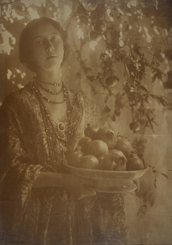 <span class=&#34;link fancybox-details-link&#34;><a href=&#34;/artists/129-minna-keene/works/34146-minna-keene-pomegranates-circa-1910/&#34;>View Detail Page</a></span><div class=&#34;artist&#34;><strong>Minna Keene</strong></div> 1861-1943 <div class=&#34;title&#34;><em>Pomegranates</em>, circa 1910</div> <div class=&#34;signed_and_dated&#34;>Estate # M01<br /> Printed circa 1910</div> <div class=&#34;medium&#34;>Carbon print with some details reduced by hand, flush mounted to single-ply period board, mounted to additional single-ply period board</div> <div class=&#34;dimensions&#34;>19 ½ x 13 ⅞ inch (48.26 x 35.24 cm) print, board<br /> 25 x 19 inch (63.50 x 48.26 cm) original frame</div> <div class=&#34;edition_details&#34;></div>
