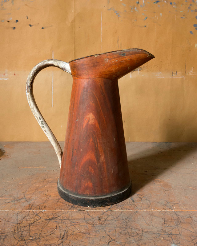 <span class=&#34;link fancybox-details-link&#34;><a href=&#34;/artists/44-joel-meyerowitz/works/21279-joel-meyerowitz-morandi-s-objects-wood-grained-pitcher-2015/&#34;>View Detail Page</a></span><div class=&#34;artist&#34;><strong>Joel Meyerowitz</strong></div> b. 1938 <div class=&#34;title&#34;><em>Morandi's Objects (wood-grained pitcher)</em>, 2015</div> <div class=&#34;signed_and_dated&#34;>Signed, titled, dated, and editioned, in ink, on label adhered, au mount verso<br /> Printed in 2016</div> <div class=&#34;medium&#34;>Pigment print on archival paper flush mounted to archival board</div> <div class=&#34;dimensions&#34;>16 x 20 inch (40.64 x 50.80 cm) image<br /> 16 ½ x 20 ½ inch (41.91 x 52.07 cm) paper, board</div> <div class=&#34;edition_details&#34;>Edition of 10 (#3/10)</div><div class=&#34;copyright_line&#34;>© Joel Meyerowitz</div>