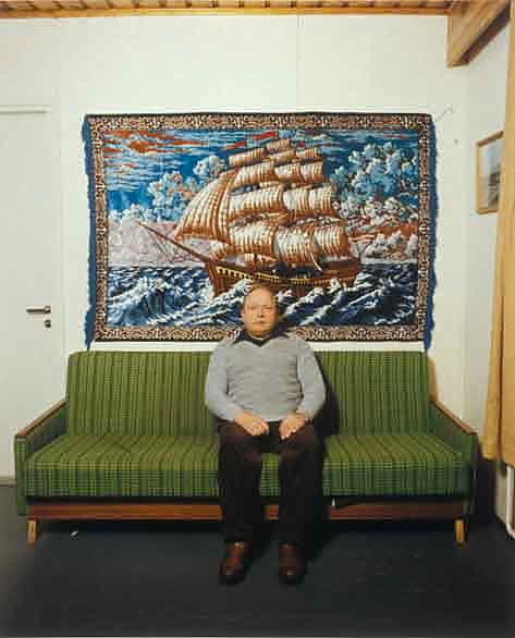 "<span class=""link fancybox-details-link""><a href=""/artists/83-pekka-turunen/works/19442-pekka-turunen-osmo-kettunen-hattuvaara-ilomantsi-wallcarpet-1986/"">View Detail Page</a></span><div class=""artist""><strong>Pekka Turunen</strong></div> b. 1958 <div class=""title""><em>Osmo Kettunen, Hattuvaara Ilomantsi [Wallcarpet]</em>, 1986</div> <div class=""signed_and_dated"">Signed, dated and editioned, in pencil, au recto<br /> Signed and dated, au window matt recto<br /> Printed circa 1996</div> <div class=""medium"">Chromogenic print</div> <div class=""dimensions"">14 x 17 ½ inch (35.56 x 44.45 cm) image<br /> 16 x 20 inch (40.64 x 50.80 cm) paper</div> <div class=""edition_details"">Edition of 25 (#3/25)</div><div class=""copyright_line""> </div>"
