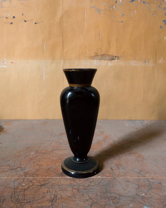 <span class=&#34;link fancybox-details-link&#34;><a href=&#34;/artists/44-joel-meyerowitz/works/21278-joel-meyerowitz-morandi-s-objects-black-glass-vase-2015/&#34;>View Detail Page</a></span><div class=&#34;artist&#34;><strong>Joel Meyerowitz</strong></div> b. 1938 <div class=&#34;title&#34;><em>Morandi's Objects (black glass vase)</em>, 2015</div> <div class=&#34;signed_and_dated&#34;>Signed, titled, dated, and editioned, in ink, on label adhered, au mount verso<br /> Printed in 2016</div> <div class=&#34;medium&#34;>Pigment print on archival paper flush mounted to archival board</div> <div class=&#34;dimensions&#34;>16 x 20 inch (40.64 x 50.80 cm) image<br /> 16 ½ x 20 ½ inch (41.91 x 52.07 cm) paper, board</div> <div class=&#34;edition_details&#34;>Edition of 10 (#2/10)</div><div class=&#34;copyright_line&#34;>© Joel Meyerowitz</div>