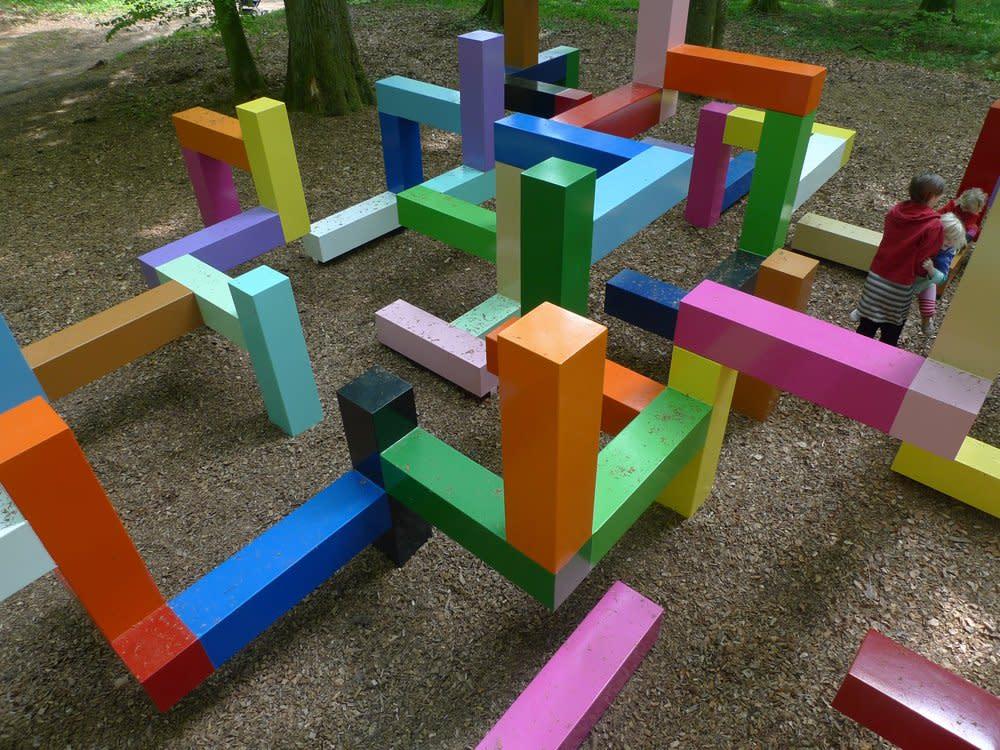 <span class=&#34;link fancybox-details-link&#34;><a href=&#34;/artists/44-jacob-dahlgren/works/7029/&#34;>View Detail Page</a></span><div class=&#34;artist&#34;><strong>Jacob Dahlgren</strong></div> <div class=&#34;title&#34;><em>Primary structure</em>, 2011</div> <div class=&#34;medium&#34;>Wanås Foundation, Knisslinge</div> <div class=&#34;dimensions&#34;>350 x 1050 x 1050 cm<br />137 3/4 x 413 3/8 x 413 3/8 in</div><div class=&#34;copyright_line&#34;>Copyright The Artist</div>