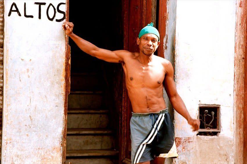 "<span class=""link fancybox-details-link""><a href=""/artists/36/series/wonder/434/"">View Detail Page</a></span><div class=""artist""><strong>Ohad Maiman</strong></div> <div class=""title""><em>Persistence (Havana, Cuba)</em>, 2004</div> <div class=""medium"">C-Print</div> <div class=""dimensions"">17 x 25 inches<br />43.2 x 63.5 cms</div> <div class=""edition_details"">edition of 5 plus 1 artist's proof</div>"