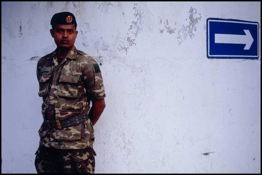"<span class=""link fancybox-details-link""><a href=""/artists/36-ohad-maiman/works/468/"">View Detail Page</a></span><div class=""artist""><strong>Ohad Maiman</strong></div> <div class=""title""><em>Soldier (Male, Maldives)</em>, 2006</div> <div class=""medium"">C-Print</div> <div class=""dimensions"">40 x 60 inches<br />101.6 x 152.4 cms</div> <div class=""edition_details"">edition of 5 plus 1 artist's proof</div>"