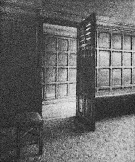 "<span class=""link fancybox-details-link""><a href=""/exhibitions/23/works/artworks_standalone11278/"">View Detail Page</a></span><div class=""artist""><span class=""artist""><strong>David Lintine ARE</strong></span></div><div class=""title""><em>The Old Green Tree Pub - Bath</em></div><div class=""medium"">aquatint etching</div><div class=""dimensions"">42 x 35 cm paper size<br>19 x 16 cm image size</div><div class=""edition_details"">edition of 45</div>"