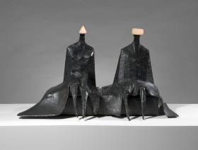 Lynn Chadwick, Sitting Figures in Robes I, 1980