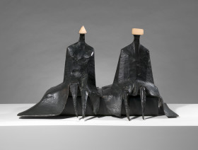 Lynn Chadwick, Sitting Figures in Robes I, 1980