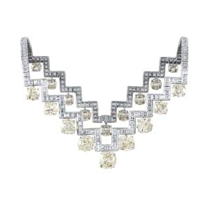 A flexible diamond necklace