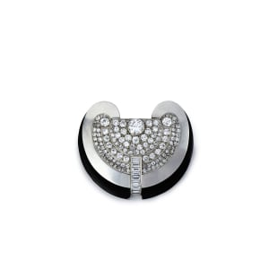 A Modernist platinum, lacquer and diamond brooch