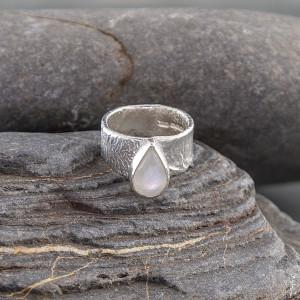 Marsha Drew, Fragment Ring with Rainbow Moonstone
