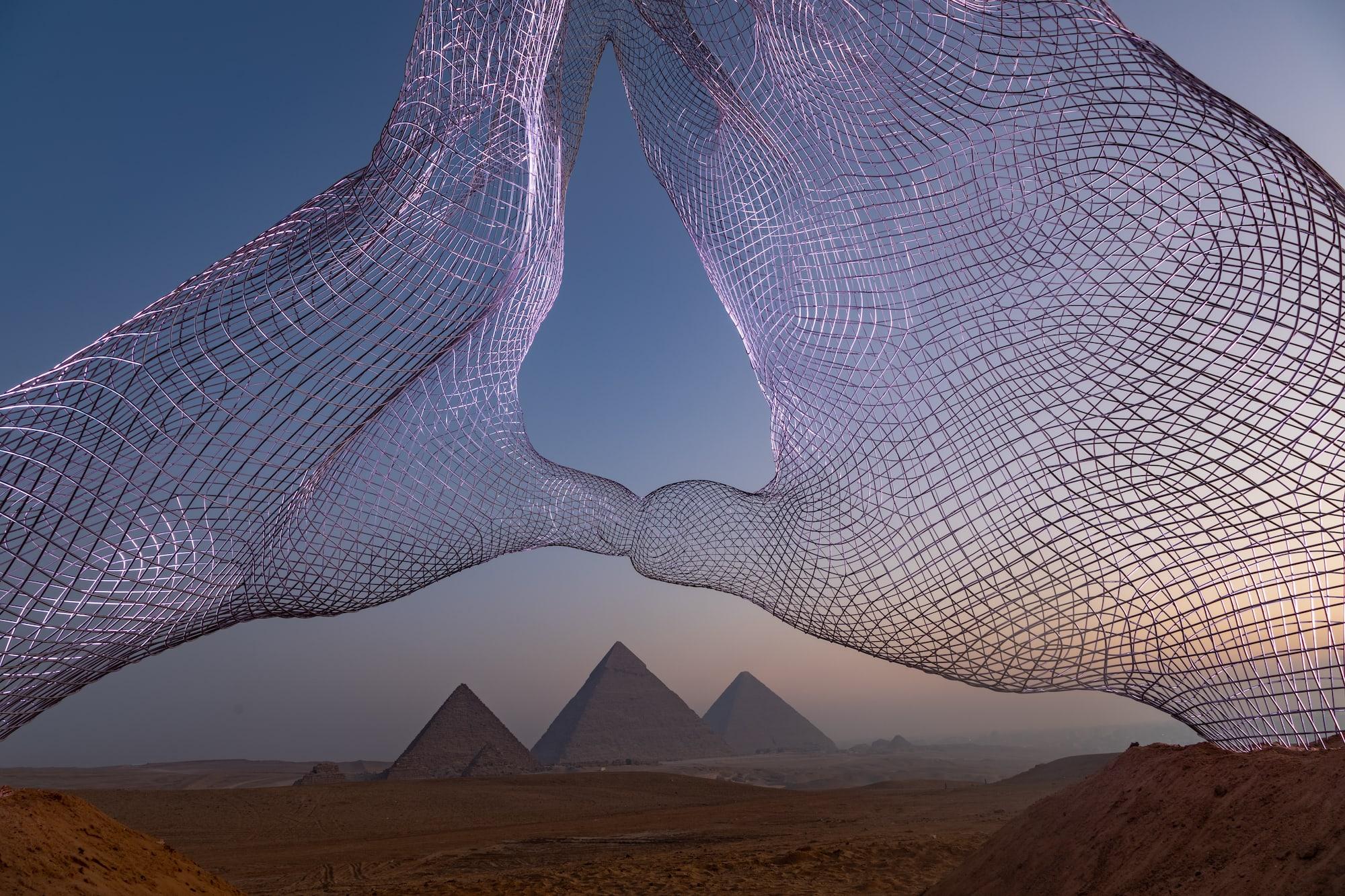 Forever is Now: Lorenzo Quinn Art D'Egypte