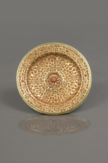 <span class=&#34;artist&#34;><strong>Trapani</strong></span>, <span class=&#34;title&#34;><em>Circular Tray</em>, First Half of the 17th Century</span>