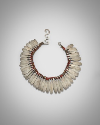 <span class=&#34;artist&#34;><strong>Alexander Calder</strong></span>, <span class=&#34;title&#34;><em>Silver and Cloth Necklace</em>, c. 1942</span>