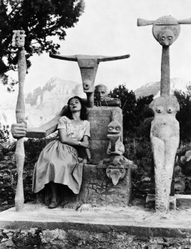 Dorothea Tanning and Max Ernst with his sculpture, Capricorn, 1947 / Photograph by John Kasnetsis / © John Kasnetsis