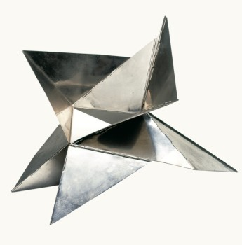 Lygia Clark, Bicho, 1960. Courtesy Alison Jacques Gallery, London © The World of Lygia Clark, Cultural Association