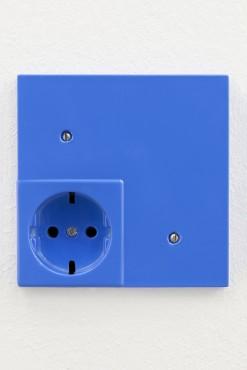 Outlet (IV)