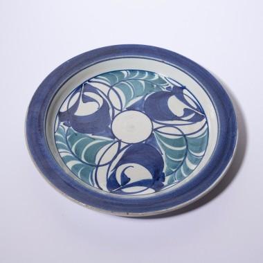 Aldermaston Pottery - An Aldermaston Pottery plate, 1983
