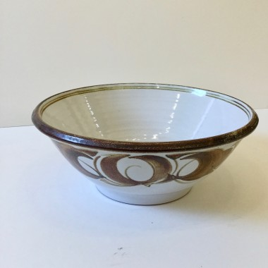 Edgar Campden - A large Aldermaston Pottery bowl, 1978