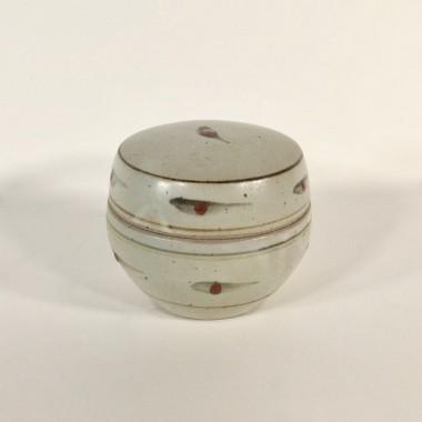 <span class=%22title%22>A lidded pot with dot pattern</span>
