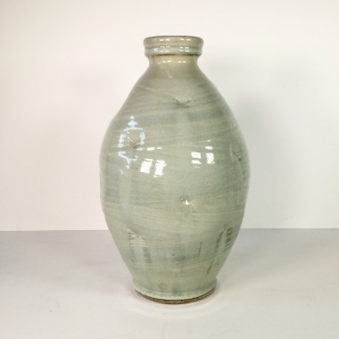 <span class=%22title%22>Bottle vase with impressions</span>
