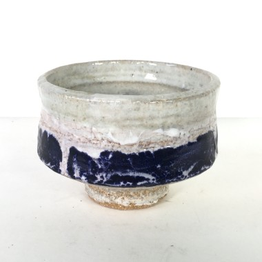 <span class=%22title%22>Footed bowl with band</span>