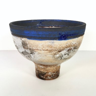 <span class=%22title%22>Footed bowl with blue band</span>