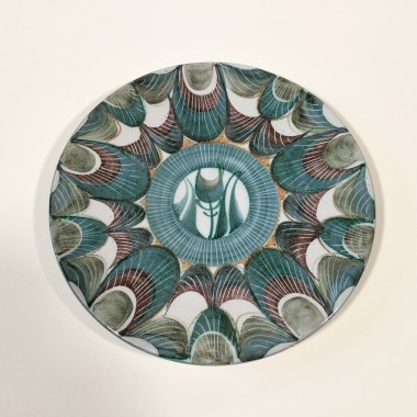 <span class=%22title%22>An Aldermaston Pottery plate with a tulip motif<span class=%22title_comma%22>, </span></span><span class=%22year%22>1969</span>