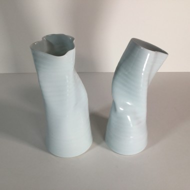 <span class=%22title%22>Two twisted vases</span>