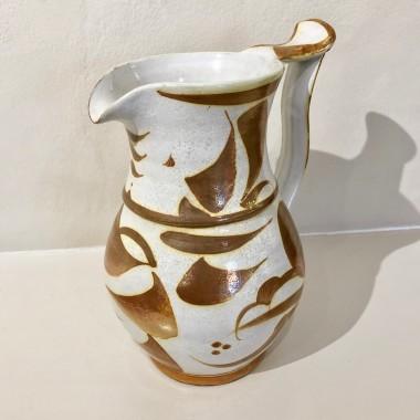 <span class=%22title%22>An Aldermaston Pottery jug<span class=%22title_comma%22>, </span></span><span class=%22year%22>c 1960s</span>