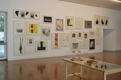 """Vista da exposição """"Tudo vem do nosso pátio"""" na Fundação Iberê. Foto © Gustavo Possamai"""