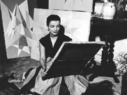 Lygia Clark in her studio, Rio de Janeiro, c. 1950s. © O Mundo de Lygia Clark-Associação Cultural, Rio de Janeiro