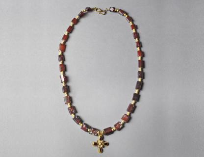 <span class=%22title%22>Hellenistic Garnet Necklace</span>