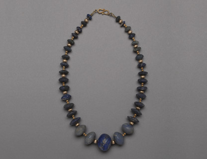 <span class=%22title%22>Bactrian Lapis and Gold Bead Necklace </span>