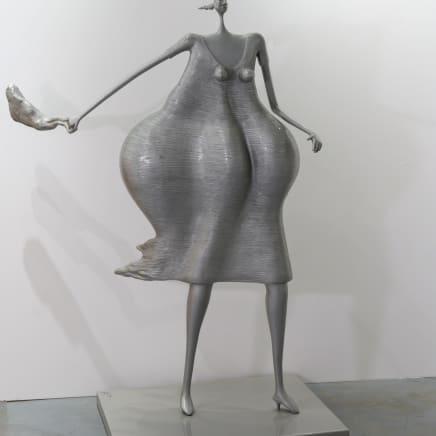 Mujer apurada con cartera, 2011