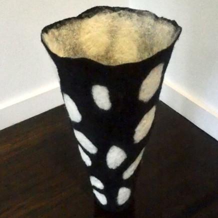 Denise Lithgow - Pebbles Black & White