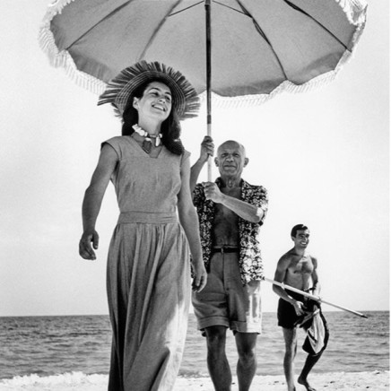 Robert Capa - Pablo Picasso with Francoise Gilot and his nephew Javier Vilato on the beach,Golfe-Juan, France, 1948