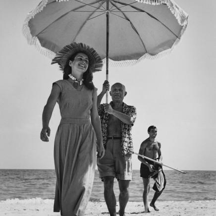 Robert Capa - Pablo Picasso & Francoise Gilot, Golfe-Juan, France, 1948