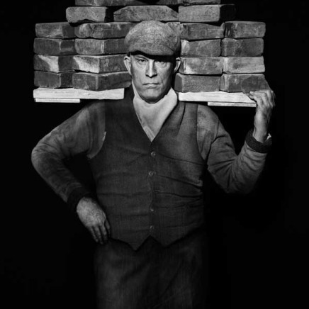 Sandro Miller - August Sander / Bricklayer (1928), 2017