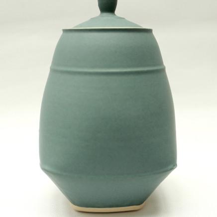 Sun Kim - Small Lidded Jar, 2017