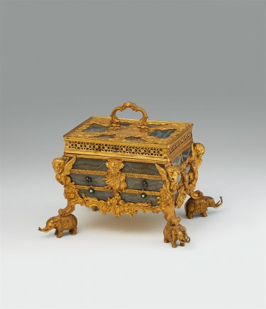 James Cox, A sumptuous English glass faux/imitating agate coffer, ca. 1760