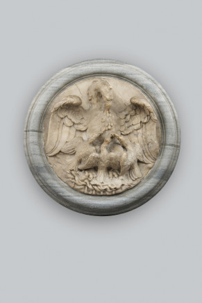 Alabaster relief depicting an eagle with eaglets in a bardiglio marble frame, Late 17th Century