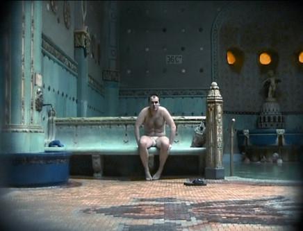 Katarzyna Kozyra, Men's Bathhouse 男澡堂, 1999