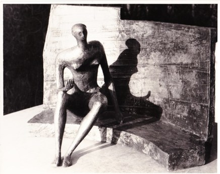 Henry Moore, Seared Figure against Curved Wall, 1956/57