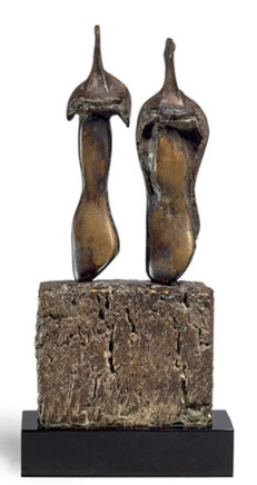 Henry Moore, Two Three Quarter Figures on Base, 1965