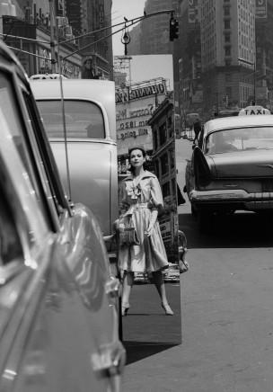 William Klein, Sandra + Mirrors, Times Square, New York, VOGUE, 1962