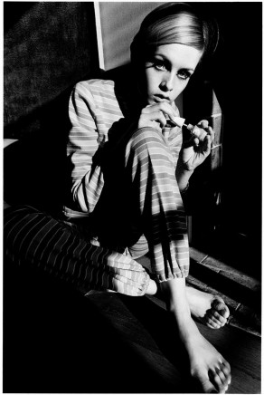 Jeanloup Sieff, Twiggy, fashion Lison pour Refdress, Paris, ELLE, 1966