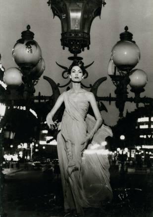 William Klein, Mary on Lampost, Paris, VOGUE, 1957